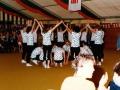 Frauengymnastikgruppe im Festzelt